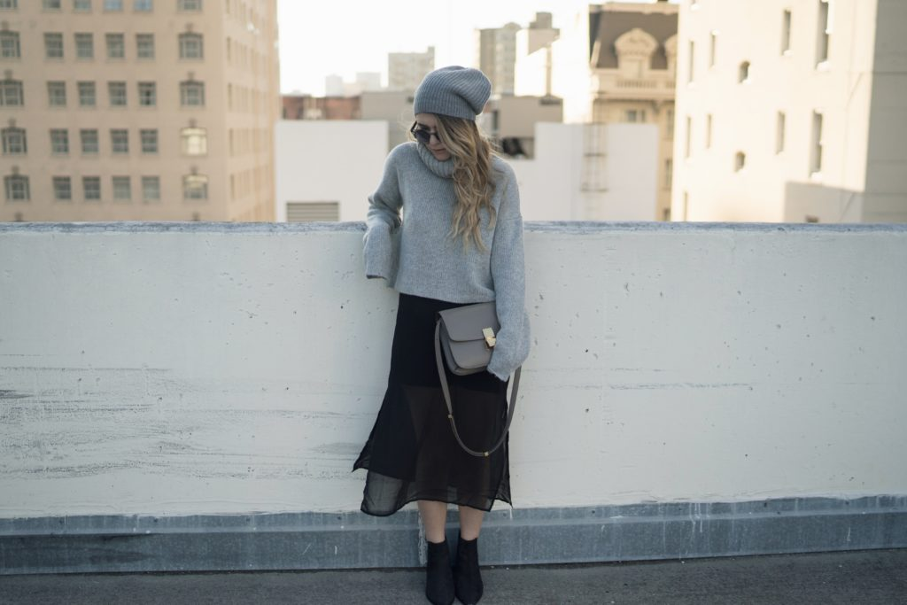 fashion mews grayscale