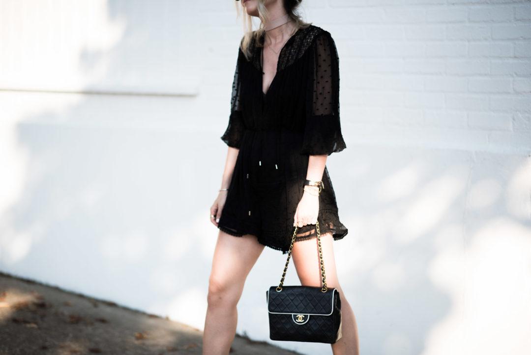 hamptons all black